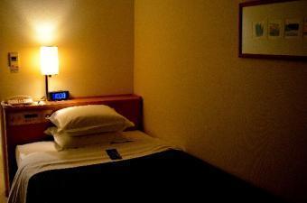 就寝前のベッド